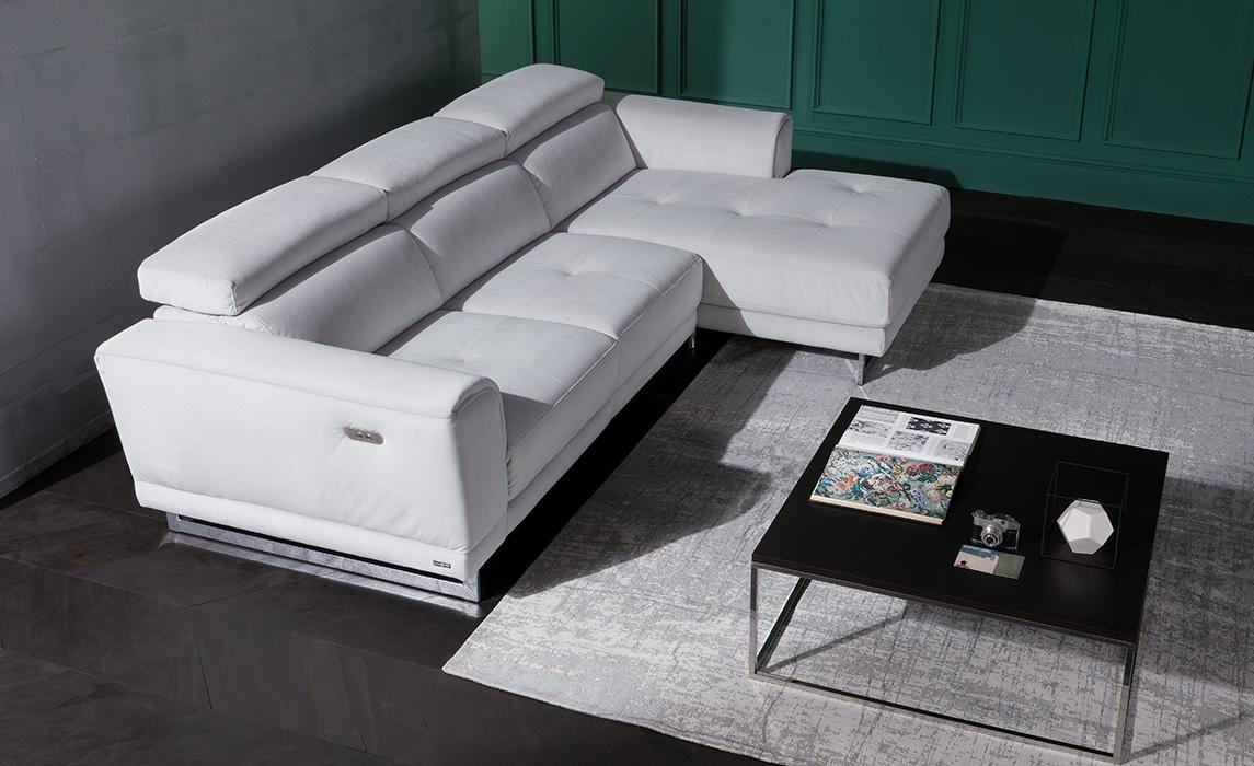 Divano klaus prezzo finest coppia divani in pelle beige for Divano klaus