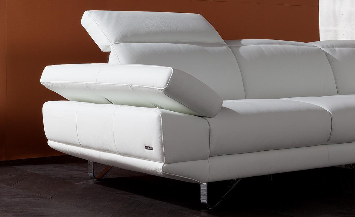 Passaparola divani divani for Divani e divani pelle